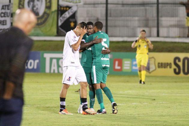ABC perde para o Goiás por 1 a 0 e fica mais próximo do rebaixamento.
