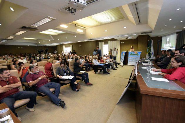 Rádios comunitárias buscam empoderamento em discussão na ALRN. (Foto: Ney Douglas).