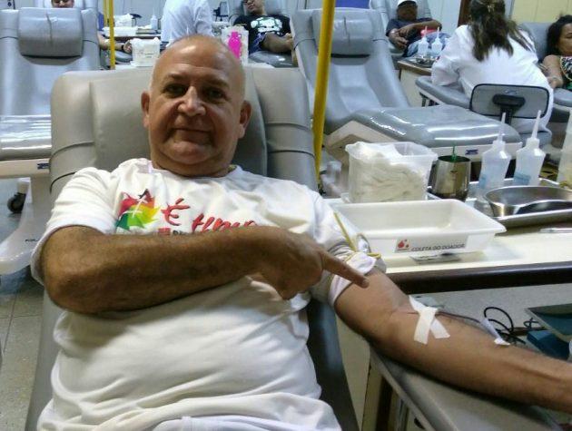 Paulo Neri é considerado o maior doador de sangue do Brasil.