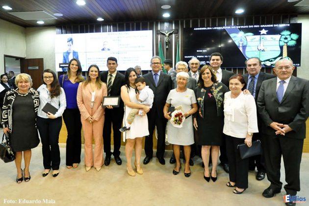 Assembleia homenageia Hospital Varela Santiago e profissionais pelo centenário.