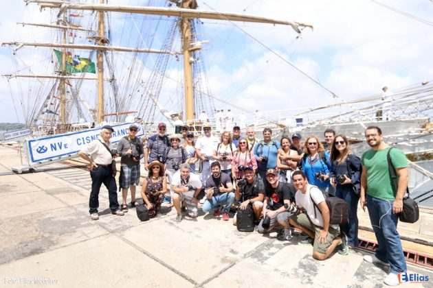 Grupo de fotógrafos visita Navio Veleiro Cisne Branco atracado no Porto de Natal.