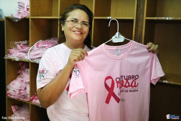 Compre a camisa símbolo do Outubro Rosa por apenas R$ 20,00 ou faça uma doação de qualquer valor. Caixa Econômica Federal: Agência: 0035 - Operação: 003 CC: 7725-4. Contato: 4009-5700 - 4009-5704