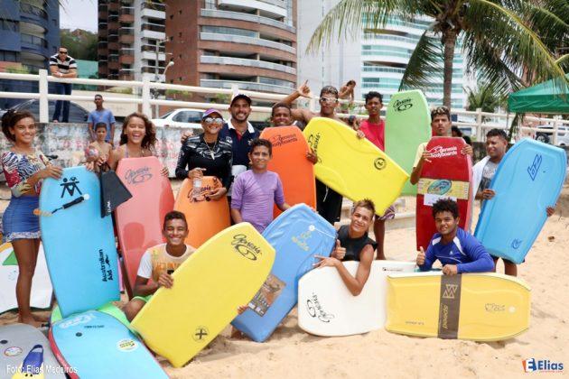 Escolinha de Surf Filhos da Mãe celebra 15 anos