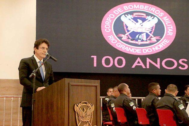 Governador realça apoio irrestrito aos bombeiros durante solenidade do centenário da corporação.