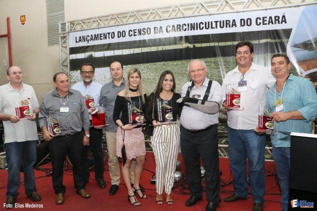 """FENACAM – 2017 (Sexta): Lançamento do livro """"Censo da Carcinicultura do Ceará""""."""