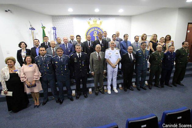 Comando do 3º Distrito Naval realiza cerimônia de imposição da Medalha Amigo da Marinha.