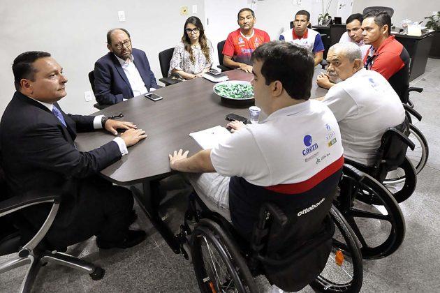 Presidente da Assembleia recebe pleitos da Sociedade Amigos do Deficiente Físico. (Foto: Eduardo Maia).