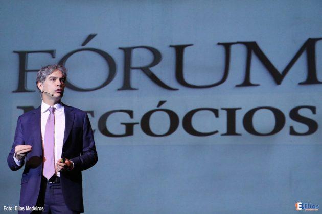 Ricardo Amorim: Empresas e profissionais precisam estar prontos para as oportunidades que já estão na porta.