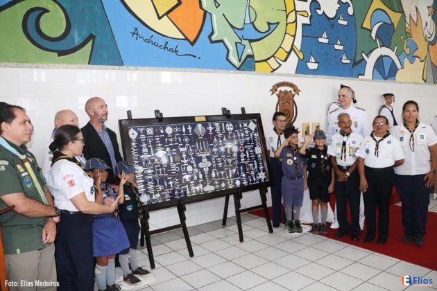 O grupo de escoteiros do mar doou o maior quadro de nós do Brasil para o Comando do 3o Distrito Naval