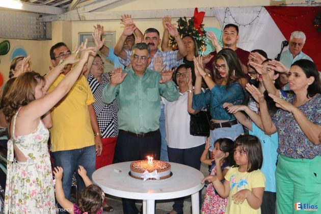 Dagô um dos voluntários que ajuda o Juvino Barreto comemorou o seu aniversário junto com familiares.