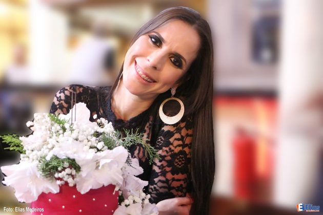 Adriana Karla Maia comemora Nova Idade