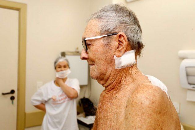 Aos 85 anos, Miguel José de Oliveira, aposentado e morador de Santa Cruz, região Trairi do RN foi consultado por Dra. Ludmila Corral e encaminhado para cirurgia.