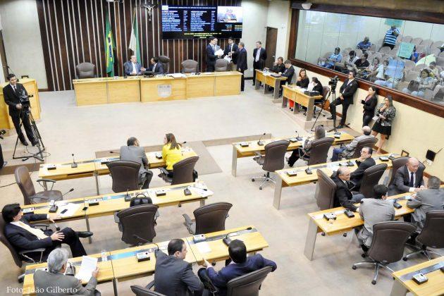 Poder Legislativo é convocado para apreciar 18 mensagens governamentais.